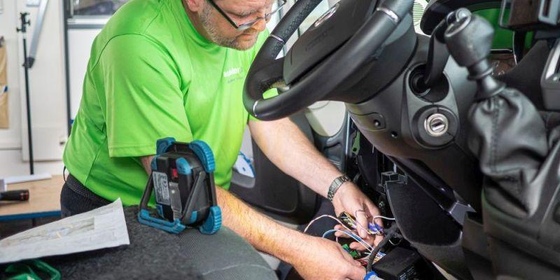 Einbau WiProIII SafeLock Zentrale im Fiat Ducato